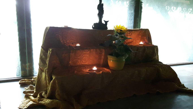 Altar mit Quan Te Am