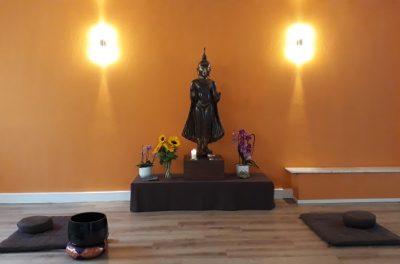 Buddhastatue im Achtsamkeitszentrum München